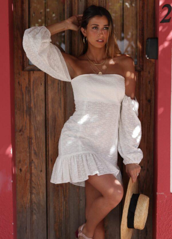 Hazel Vestido Bordado Inglês Branco sem Ombros com Manga Dolce